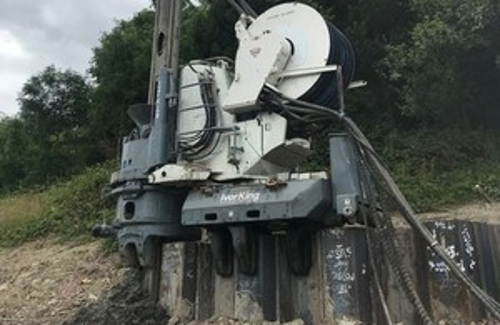 Highways England's neighbor-friendly pile-driving system a success