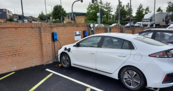 Flowbird solution enables drivers to charge vehicles and pay for parking simultaneously